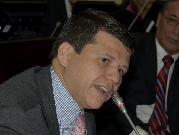 'Ñoño' Elías podría renunciar a su curul mientras se resuelve su situación jurídica