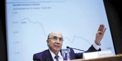 Impasse no governo adia anúncio de revisão de meta fiscal