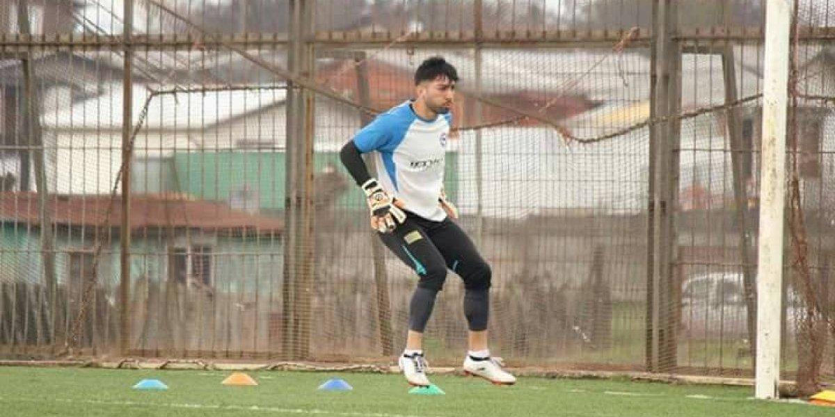 """Arquero goleador de Osorno apunta alto: """"Me gustaría jugar en Colo Colo"""""""