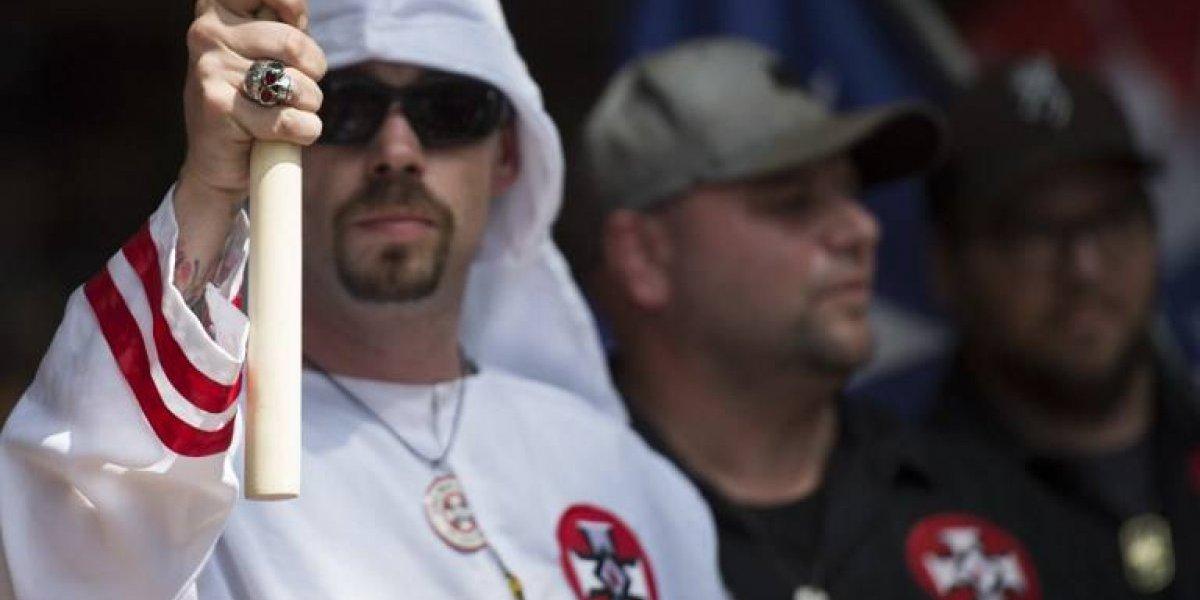 En qué está el Ku Klux Klan, el movimiento cuyo líder alaba a Trump