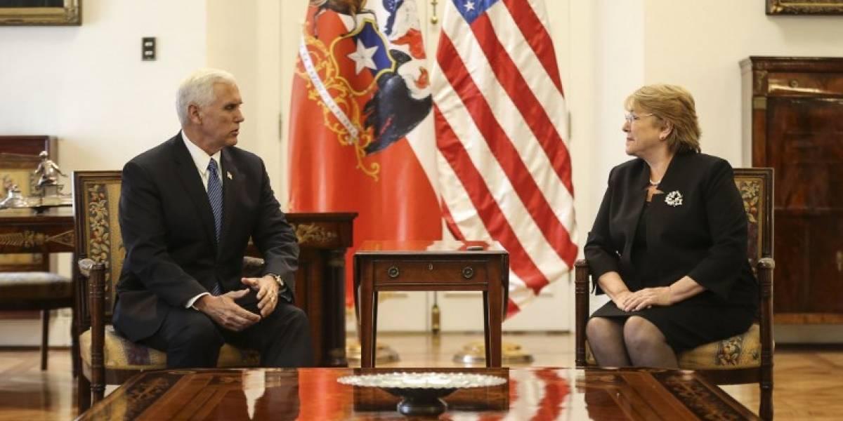 Vicepresidente Pence solicitó a Bachelet romper relaciones con Corea del Norte y aumentar presión contra Maduro