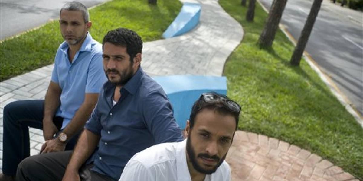 Profesionales jóvenes luchan por oportunidades en Cuba