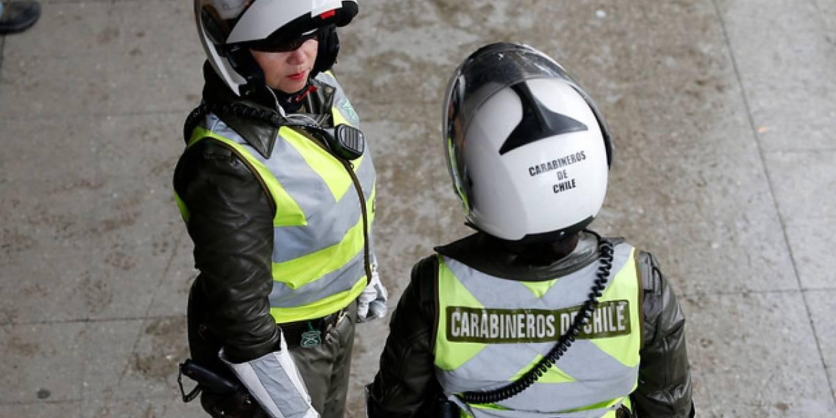 Asaltante apuñaló a carabinera de civil en el centro de Santiago