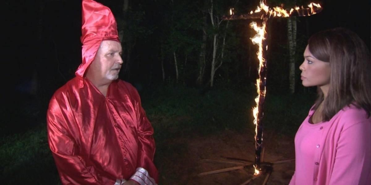 Líder de rama del Ku Klux Klan amenazó a periodista afrocolombiana con quemarla