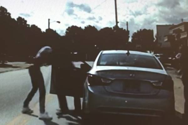 Arresto violento de un afroamericano en EEUU sacude la Red