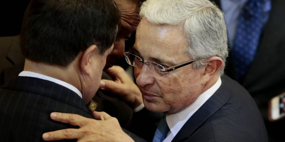 Álvaro Uribe pide que la Fiscalía llame a declarar a tres extraditados
