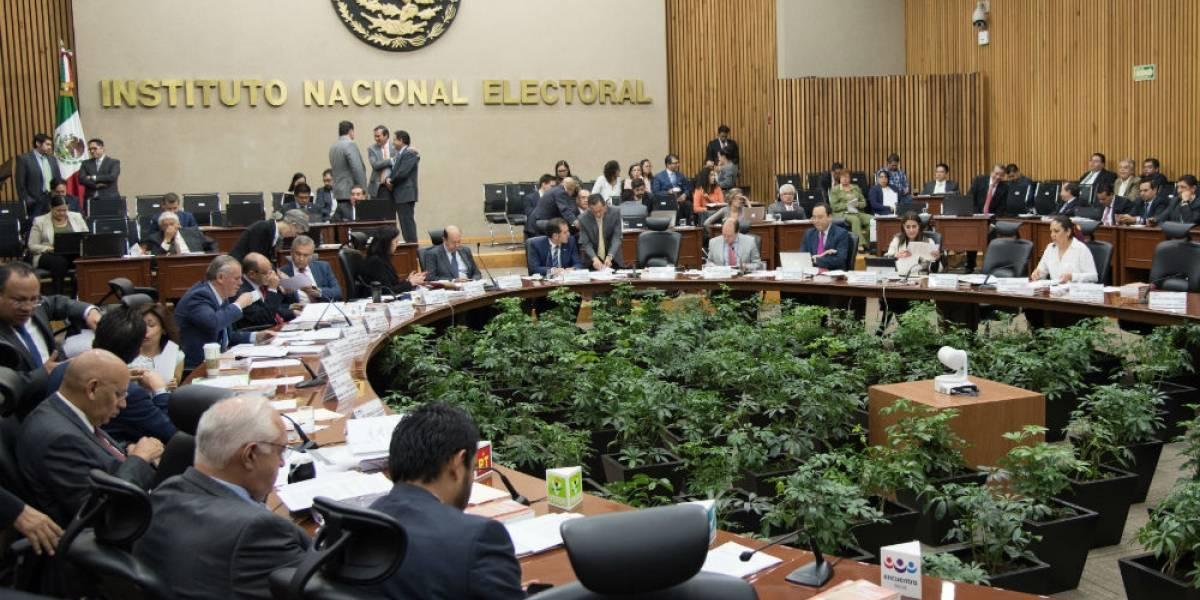 PES denuncia censura del INE por retirar spot