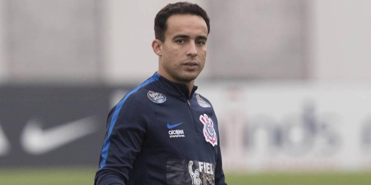 Jadson luta para se recuperar para o último jogo do Corinthians no Brasileirão
