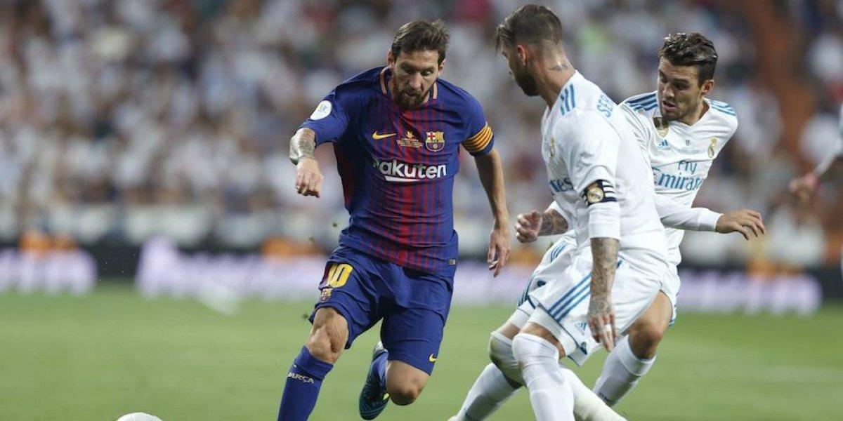 VIDEO: Sergio Ramos 'engaña' a Messi con darle el balón… y lo avienta