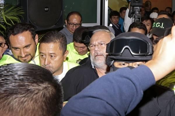 Carlos Pareja aseguró que no hablará si no hay acuerdo de cooperación