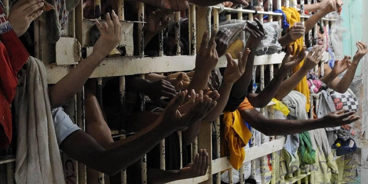 Um ano após massacre nas penitenciárias, crise no sistema carcerário persiste