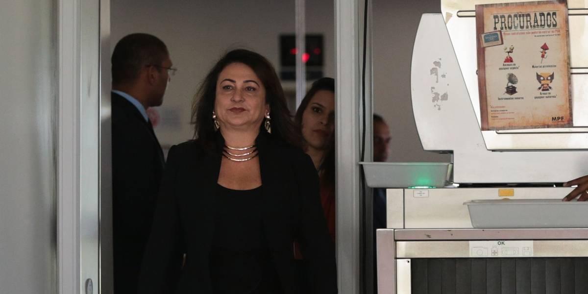 Kátia Abreu diz que foi expulsa do PMDB por dizer não a regalias do poder