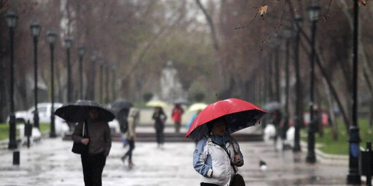Sistema frontal dejará precipitaciones y nevadas en el sur del país: lluvias a Santiago llegarán el viernes