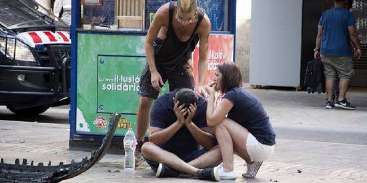¡Indignante! Inescrupulosos difunden audios falsos para provocar terror en España tras ataque en Barcelona