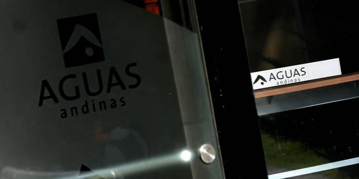"""Aguas Andinas por demandas colectivas: """"Lamentamos que el Sernac haya decidido recurrir a los tribunales"""""""