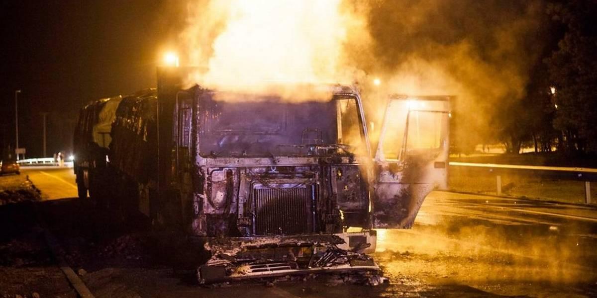 Nuevo ataque incendiario afecta a camión forestal en Cañete