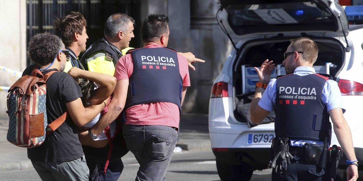 Se elevan a 14 víctimas fatales y 100 heridos en ataque terrorista en Barcelona