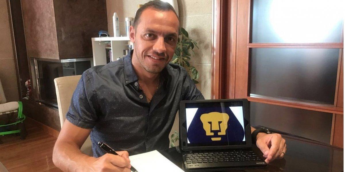 Marcelo Díaz se le escapa a Tigres y firma con Pumas