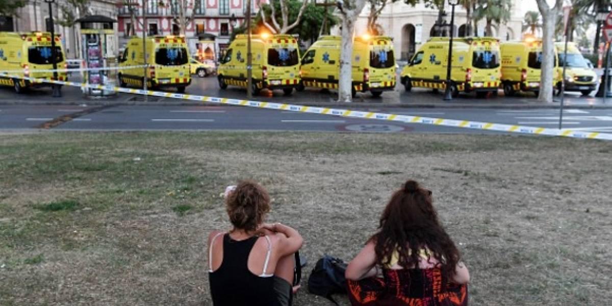 Así se ayudan los unos a los otros en Barcelona luego del atentado