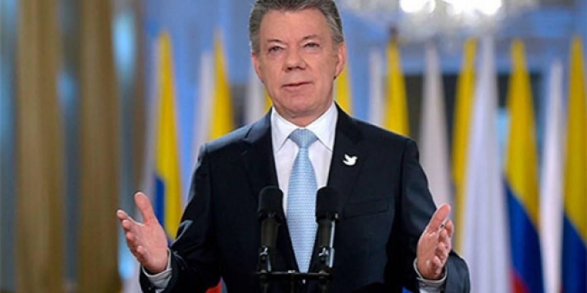América Latina debe evitar que se perpetúe una dictadura en Venezuela: Santos