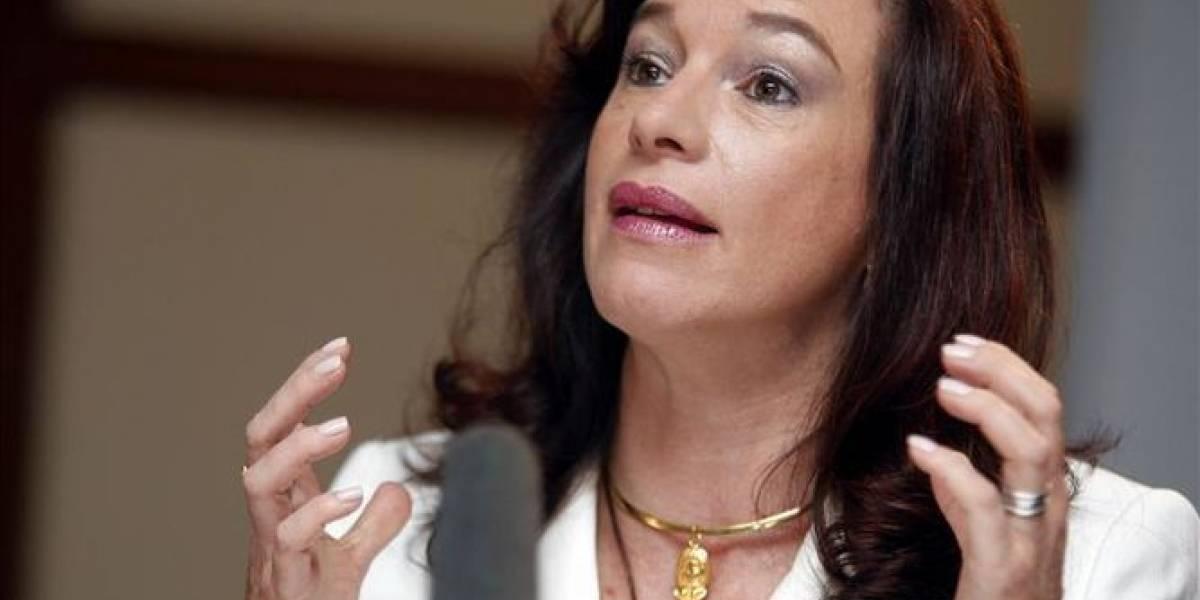 María Fernanda Espinosa confirma dos heridos ecuatorianos en atentados de Barcelona