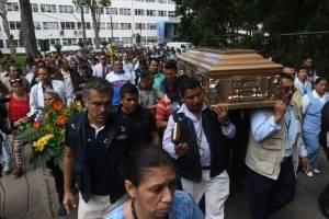 Honras fúnebres trabajador del Hospital Roosevelt