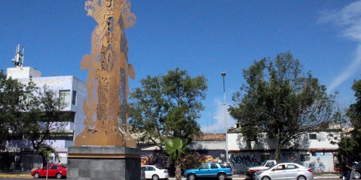 """Exigen retiro de escultura en Guadalajara por """"hereje"""""""
