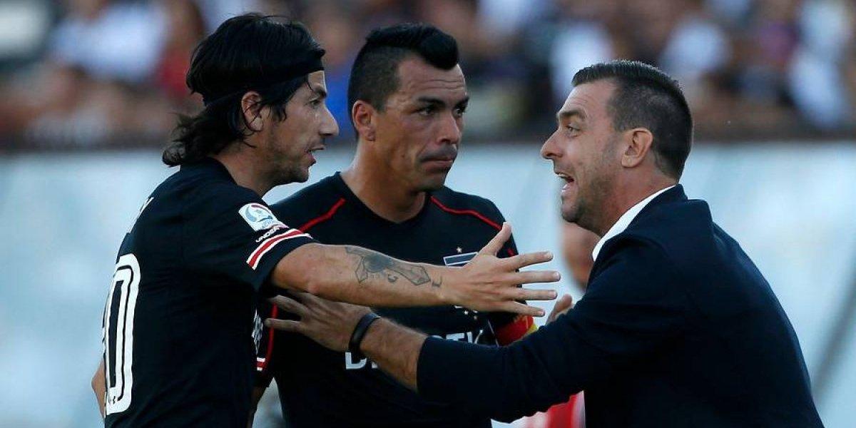Paredes y Valdés están en duda en Colo Colo y Guede cita por urgencia a Iván Morales