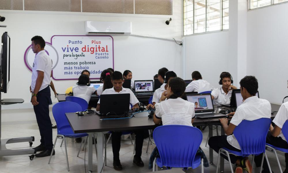 """El """"internet que vuela"""" aterrizó en Puerto Carreño"""