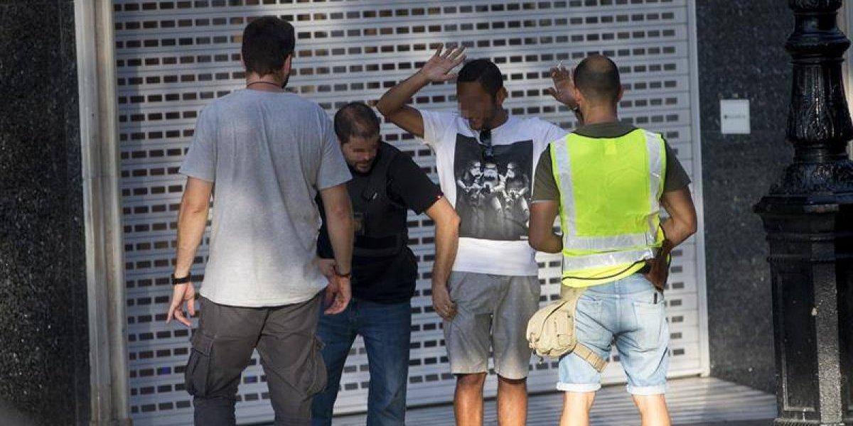 España llora las víctimas del atentado en Barcelona: Rey Felipe VI y Rajoy harán un minuto de silencio este viernes