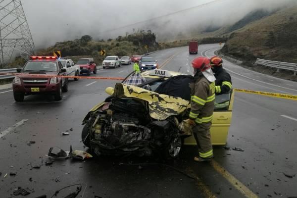 1 fallecido y 4 heridos tras accidente en vía a Papallacta