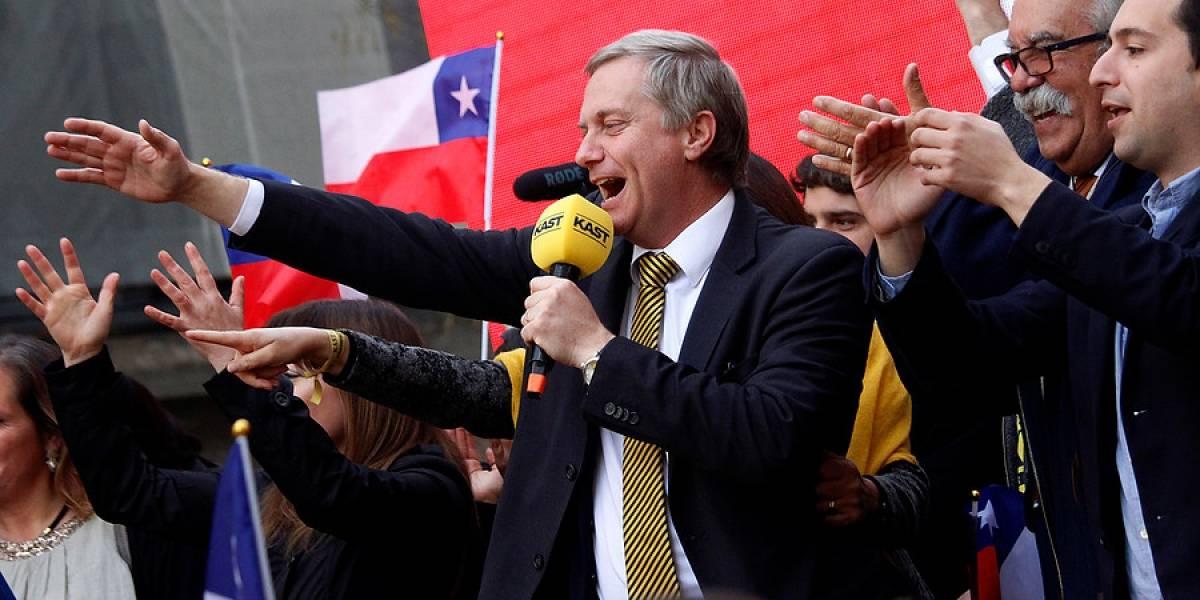 José Antonio Kast también se inscribió para la carrera por La Moneda