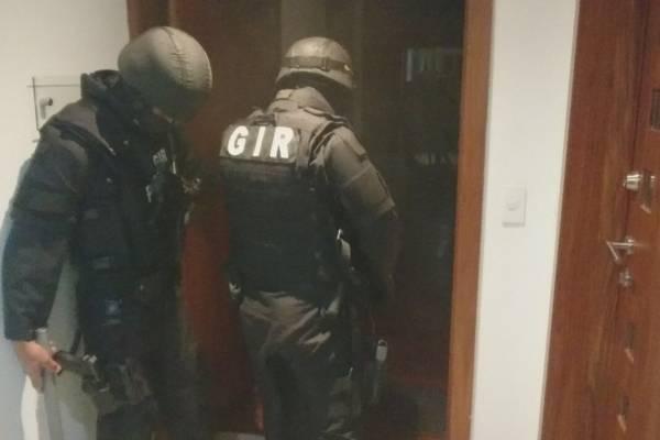 Fiscalía allanó tres predios y la sede de Avanza