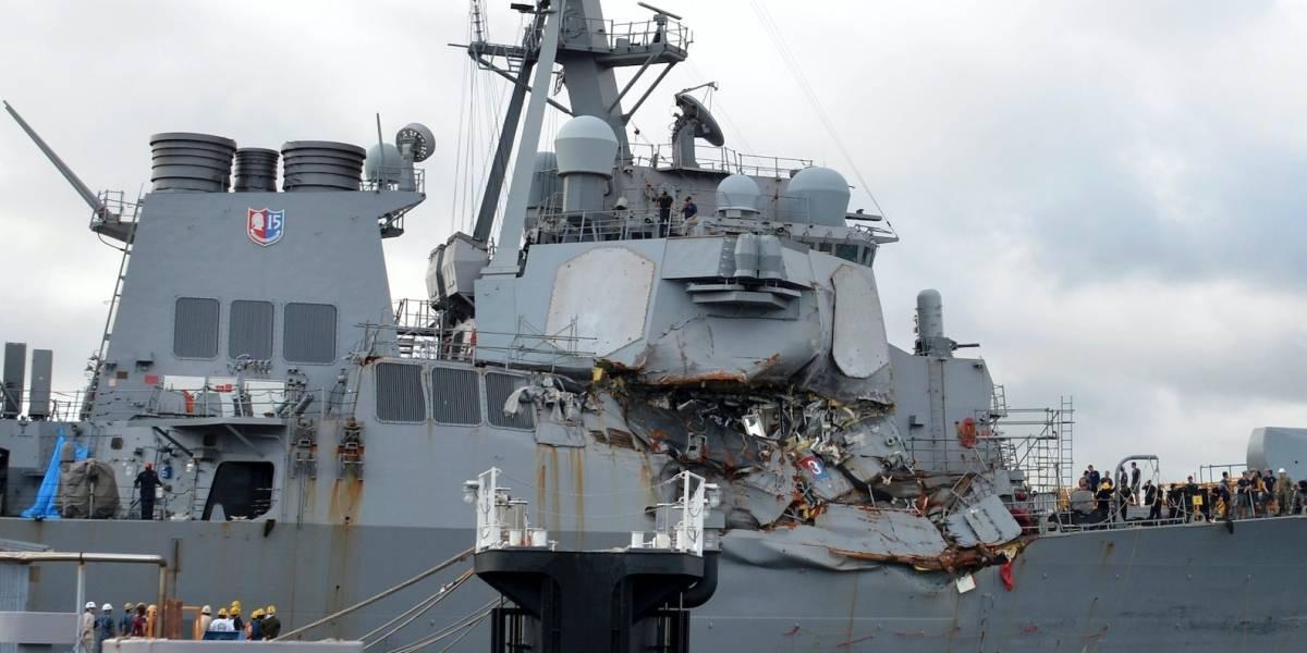 Destituyen a capitán de nave de Marina que chocó con barco