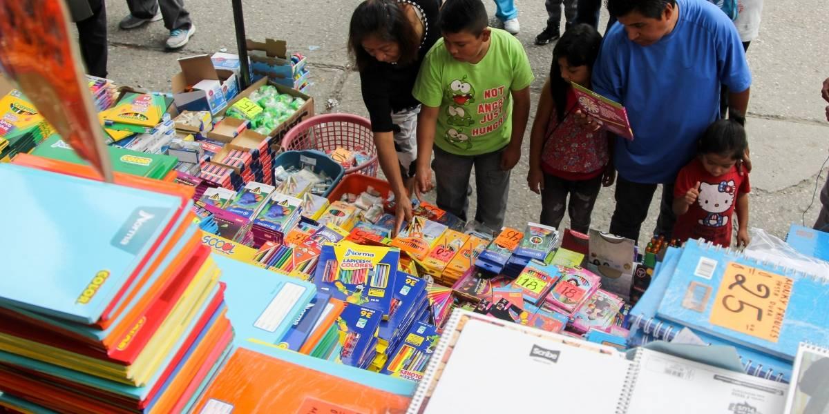 Hola inicio de ciclo escolar, ¿qué compran los mexicanos?