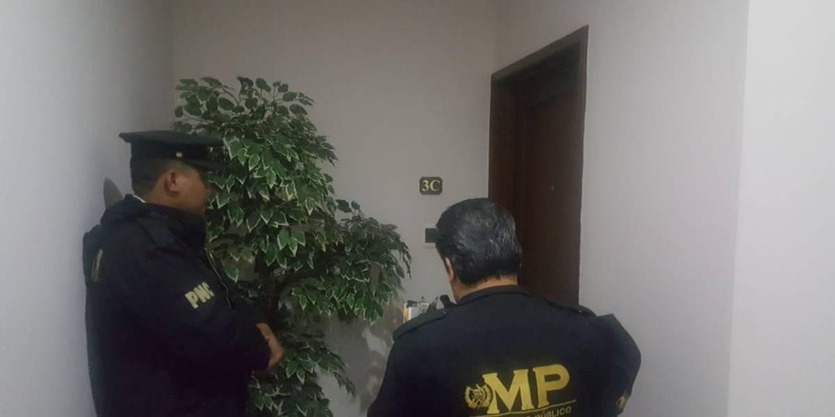 En allanamientos capturan a seis por estafas en el Banco de Comercio
