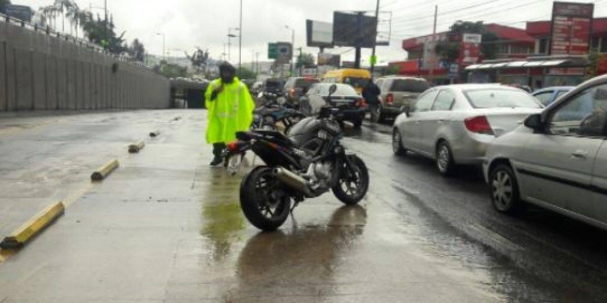 Se reportan varios incidentes por lluvias en Quito