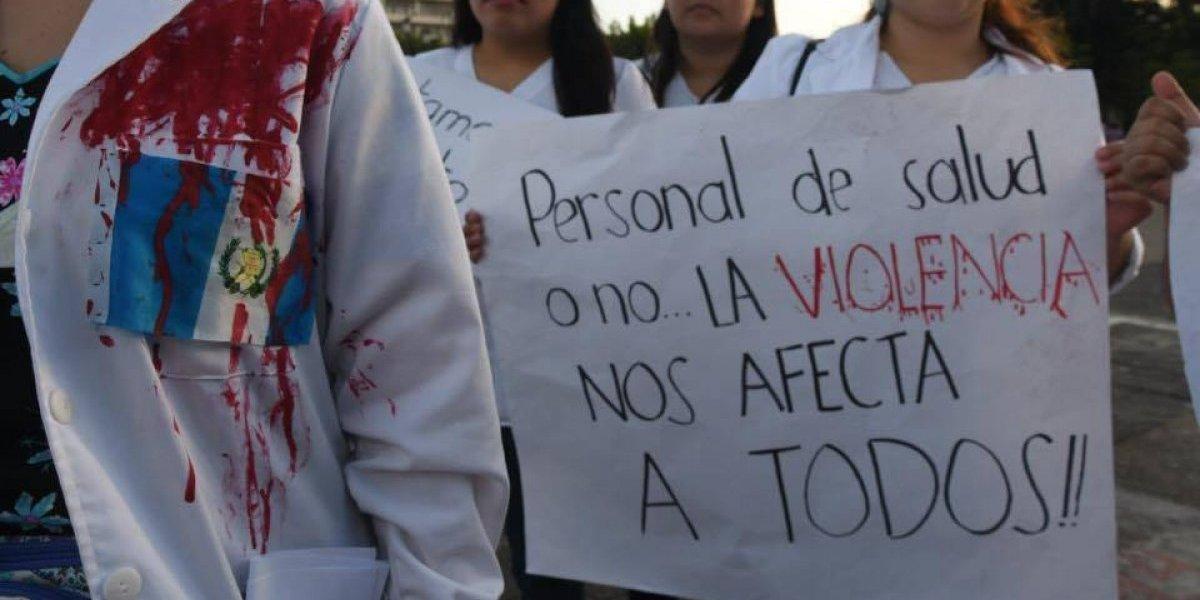 Médicos y estudiantes piden no enviar más reos a los hospitales
