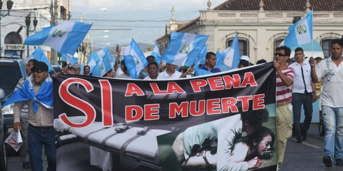 Exigen la reactivación de la pena de muerte frente al Palacio Nacional