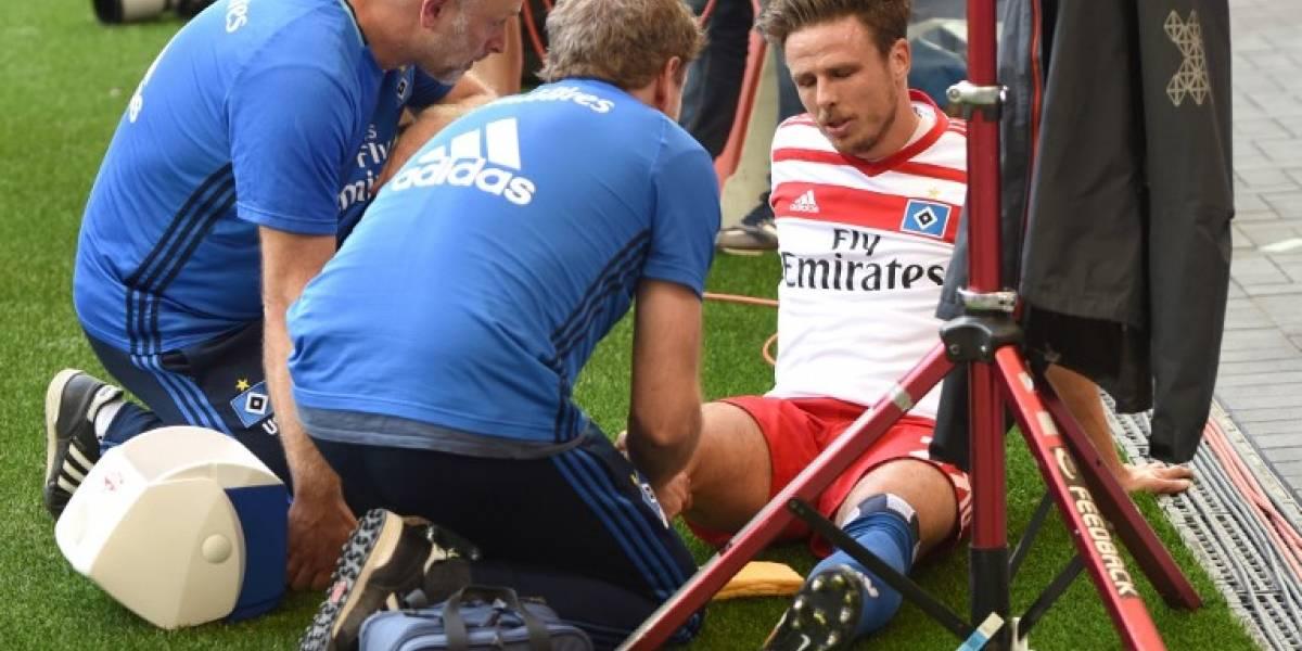 Futbolista se lesionó en efusiva celebración de un gol — Video] Insólito