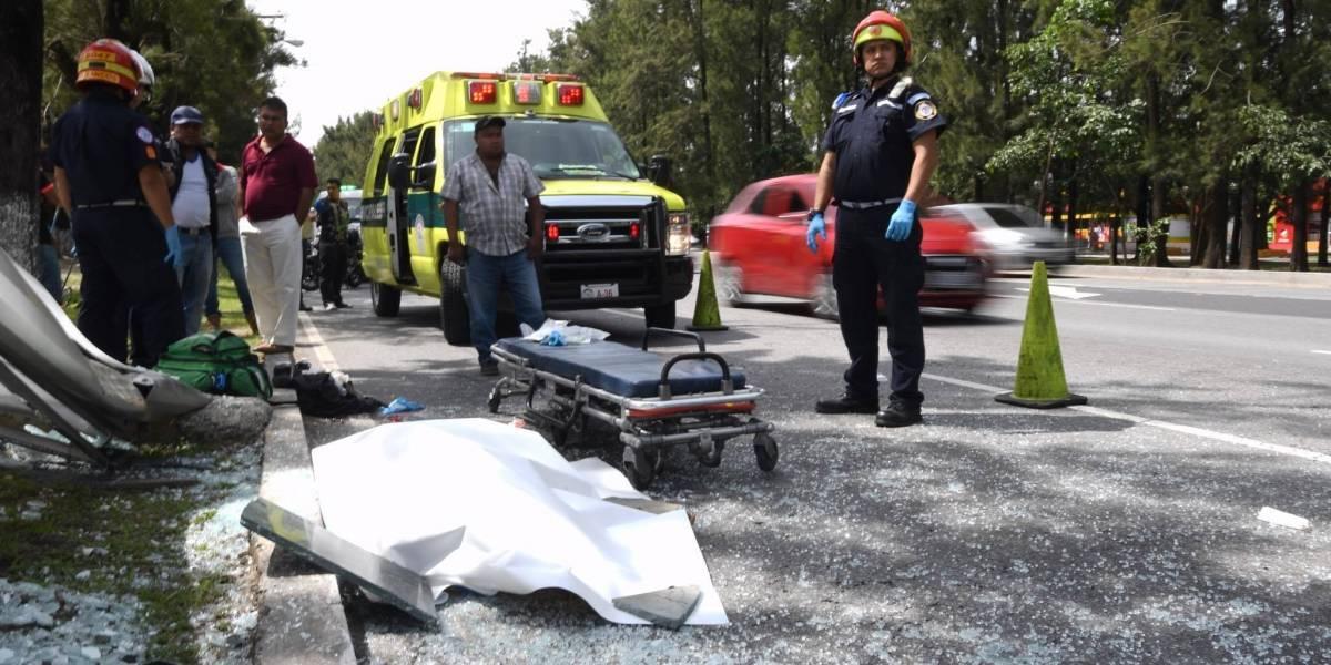 EN IMÁGENES. Aparatoso accidente deja un muerto en el Bulevar Vista Hermosa