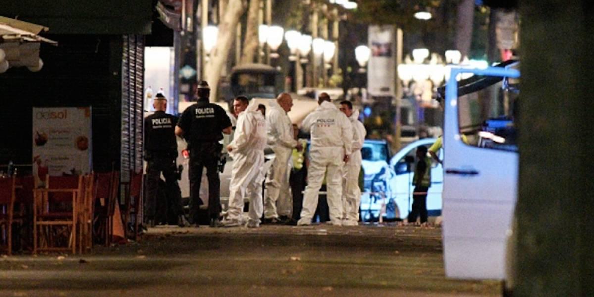 Policía española vincula tres camionetas al ataque terrorista de Barcelona