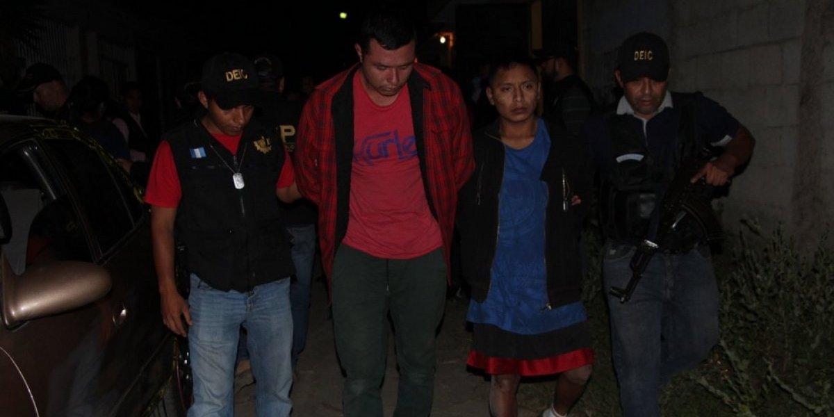 Capturan a tres personas vinculadas en muerte de una mujer