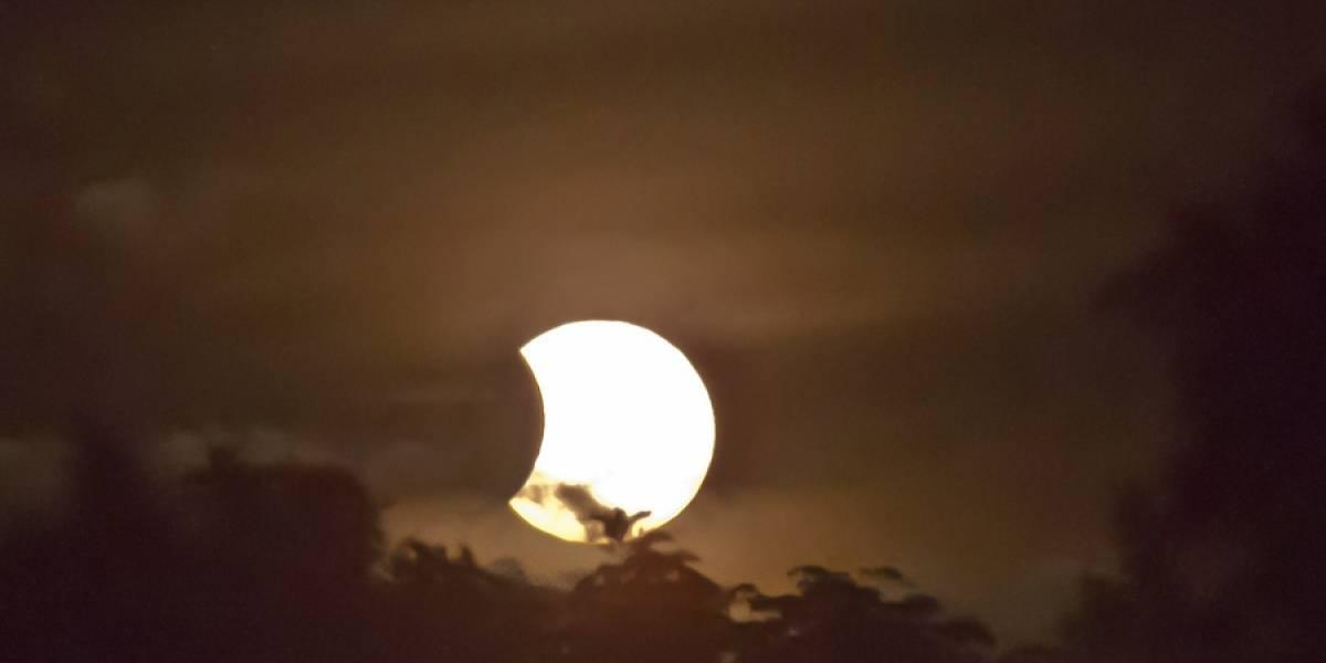 VIDEO ¿Cómo se verá el eclipse solar mañana en Guatemala?