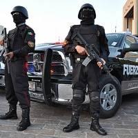 Agreden a policías de Nuevo León al detener una fiesta