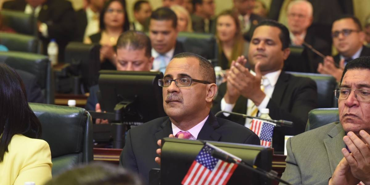 """Abel Nazario y """"June"""" Rivera quieren que seamos tratados como un estado en la Reforma Contributiva"""