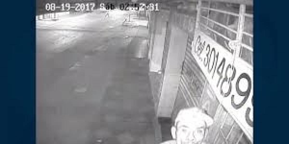 ¡Un ladrón muy listo! Robó cámara de seguridad pero su rostro quedó grabado