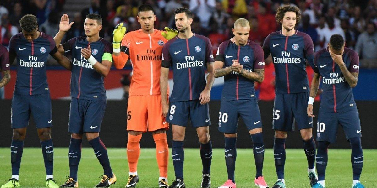 VIDEO. Neymar rompe en llanto frente a miles de aficionados antes del juego