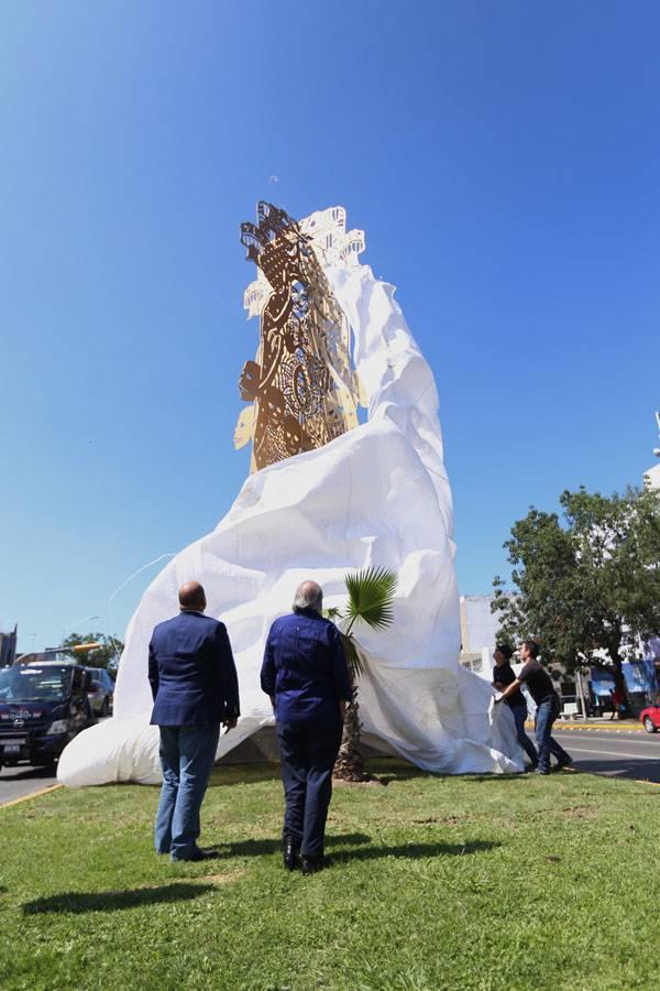 Escultura no ataca a católicos, ni a la Virgen de Guadalupe: cardenal tapatío