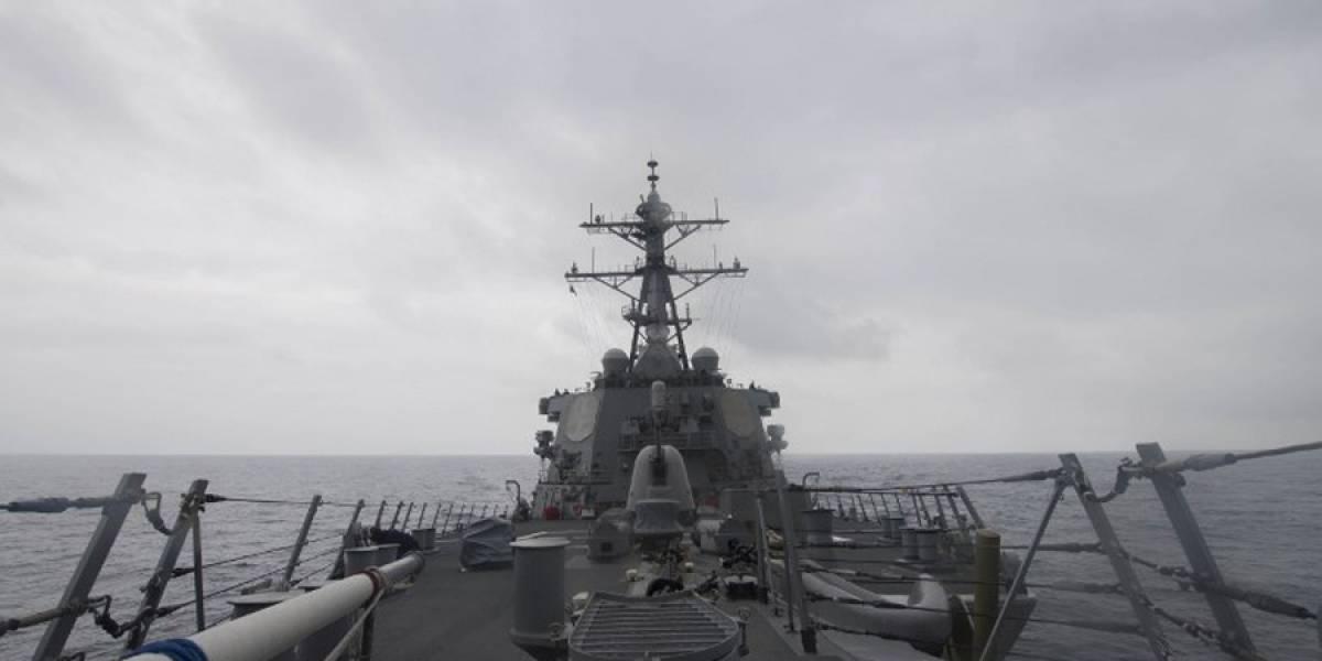 Diez marines desaparecidos y 5 heridos tras colisión de destructor de misiles dirigidos de EE. UU.